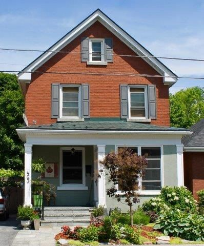463 Victoria St, Out of Area, ON K7L 3Z8