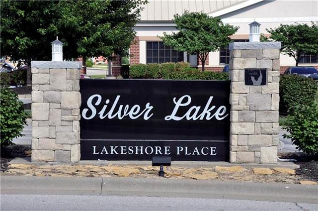 517 SILVER TOP Lane, Raymore, MO 64083