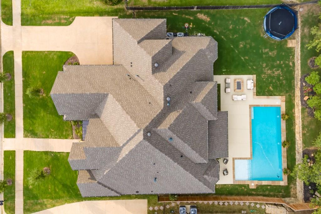 2012 Royal Crest Drive, Mansfield, TX 76063