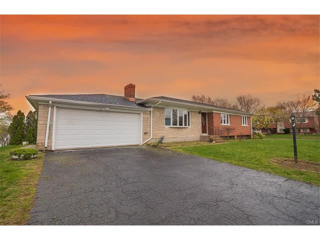 2 Mills Drive, West Haven, CT 06516
