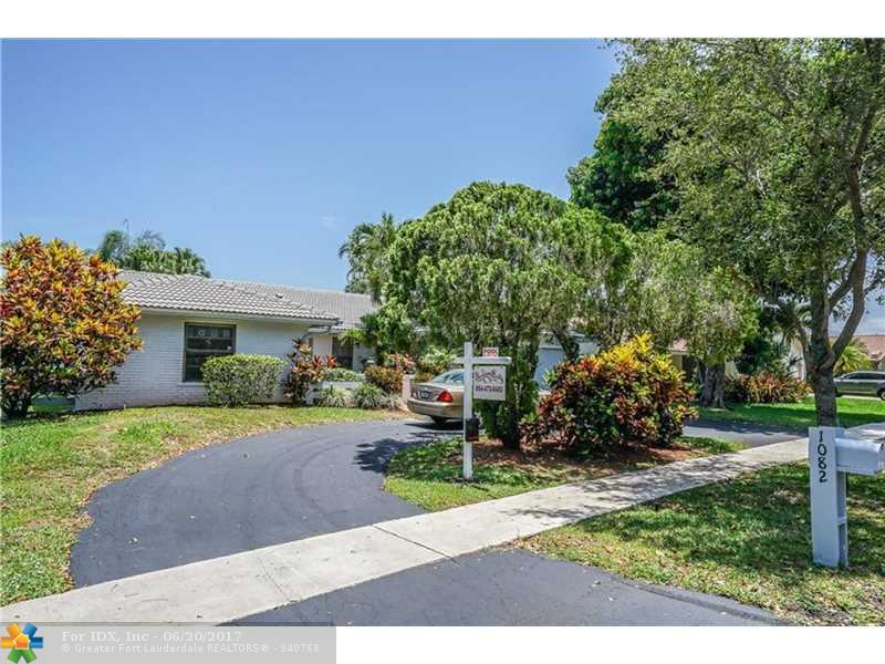 1082 NW 97 AVE, Plantation, FL 33322