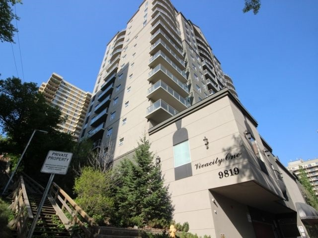 9819 104 Street 202, Edmonton, AB T5K 0Y8