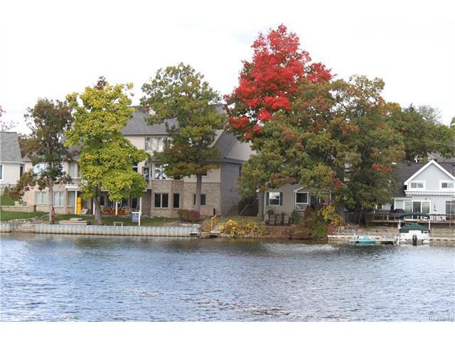550 NORTH SHORE Court, Lake Orion Vlg, MI 48362