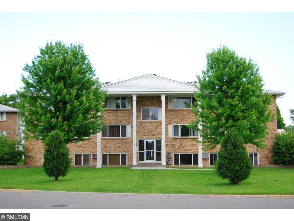 2740 Rosalyn Court 103, New Hope, MN 55427