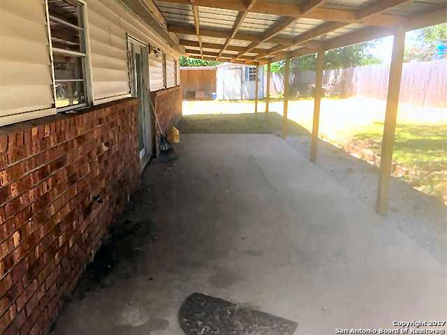 1517 Hill Glen Dr, Granite Shoa, TX 78654
