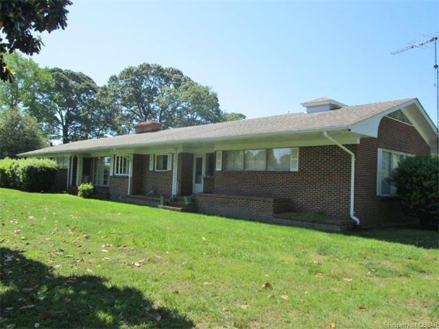 1560 Waverly Avenue, Kilmarnock, VA 22482