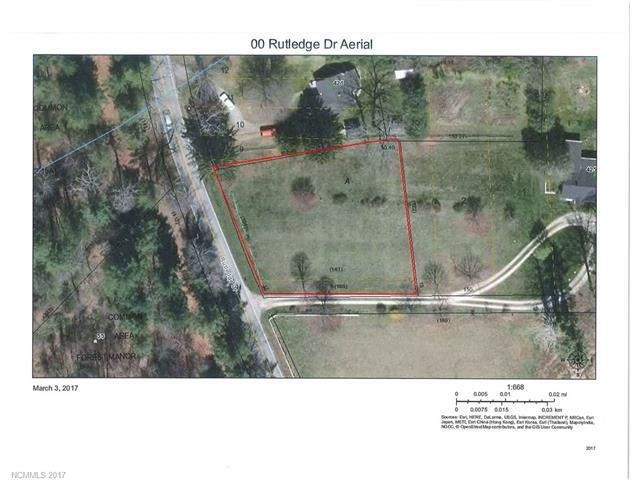 Level cleared building lot close to downtown Hendersonville & Flat Rock.