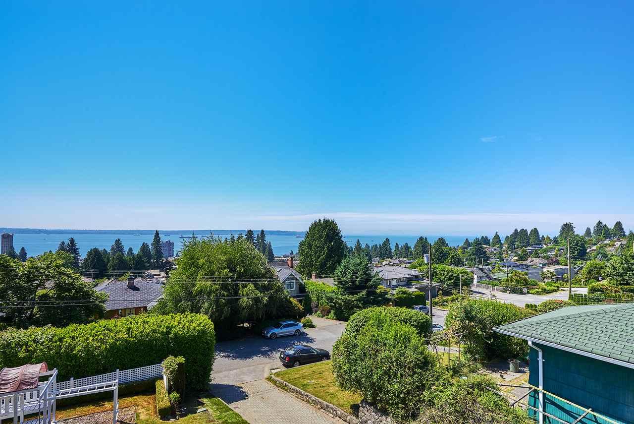 2367 NELSON AVENUE, West Vancouver, BC V7V 2R1