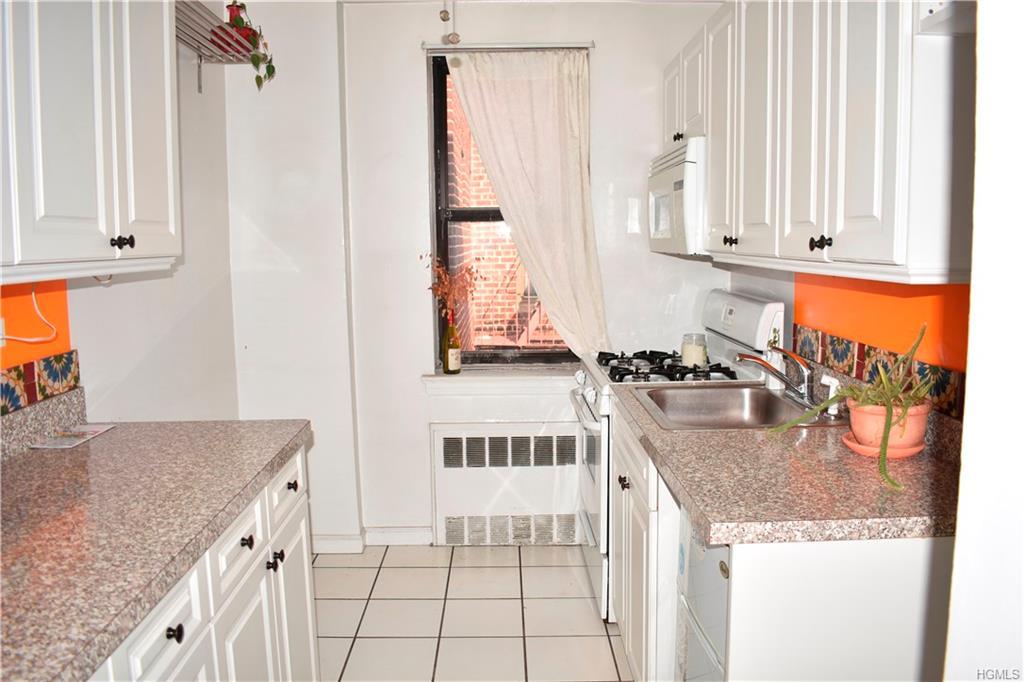 2866 Marion Avenue 6B, Bronx, NY 10458