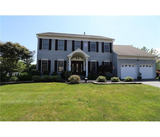 4 Eleanor Drive, Kendall Park, NJ 08824