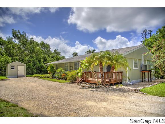 982 Main St, Sanibel, FL 33957