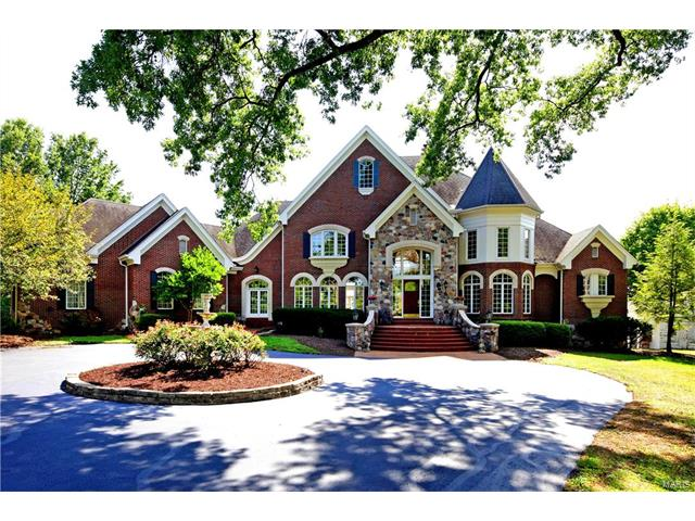 10842 Kennerly Road, Sunset Hills, MO 63128