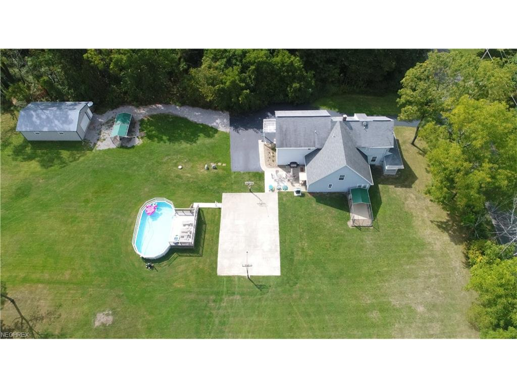 3855 Calla Rd E, New Middletown, OH 44514