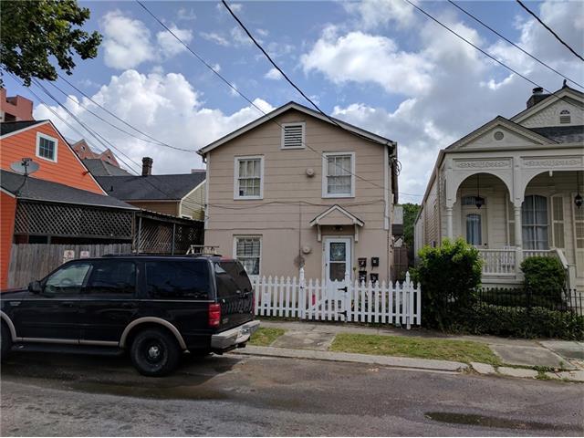 216 BERMUDA Street, New Orleans, LA 70114