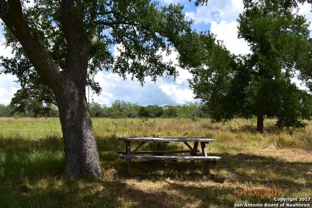 2660 W US Highway 90, Waelder, TX 78959