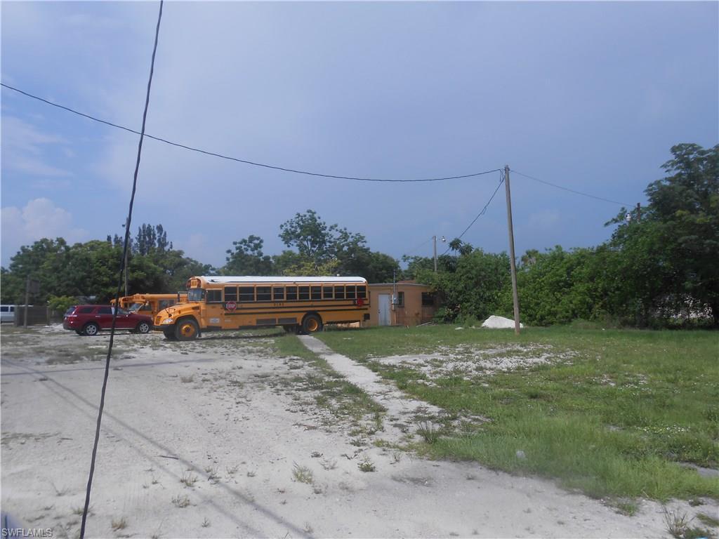 219 N 1st ST, IMMOKALEE, FL 34142