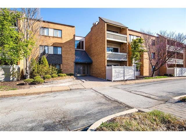 950 E Rue de la Banque, St Louis, MO 63141