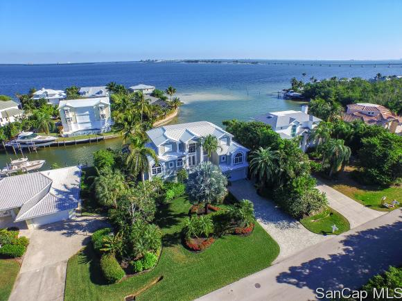 1206 Bay Dr, Sanibel, FL 33957