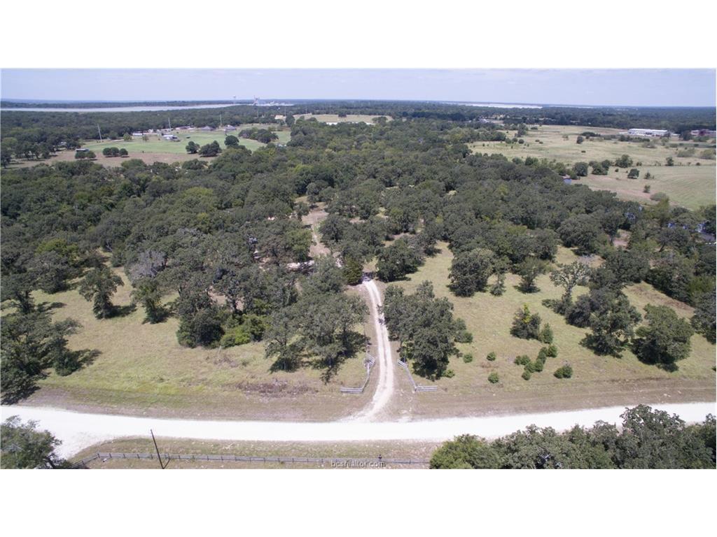510 Creekside Drive, Bryan, TX 77807