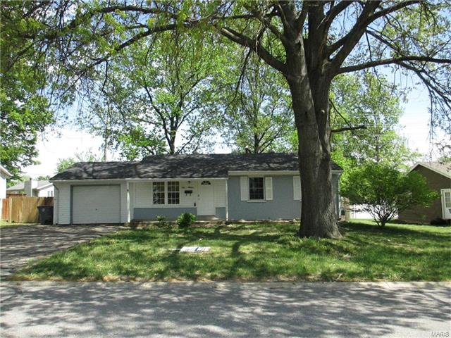 914 Saint Matthew Avenue, O Fallon, MO 63366
