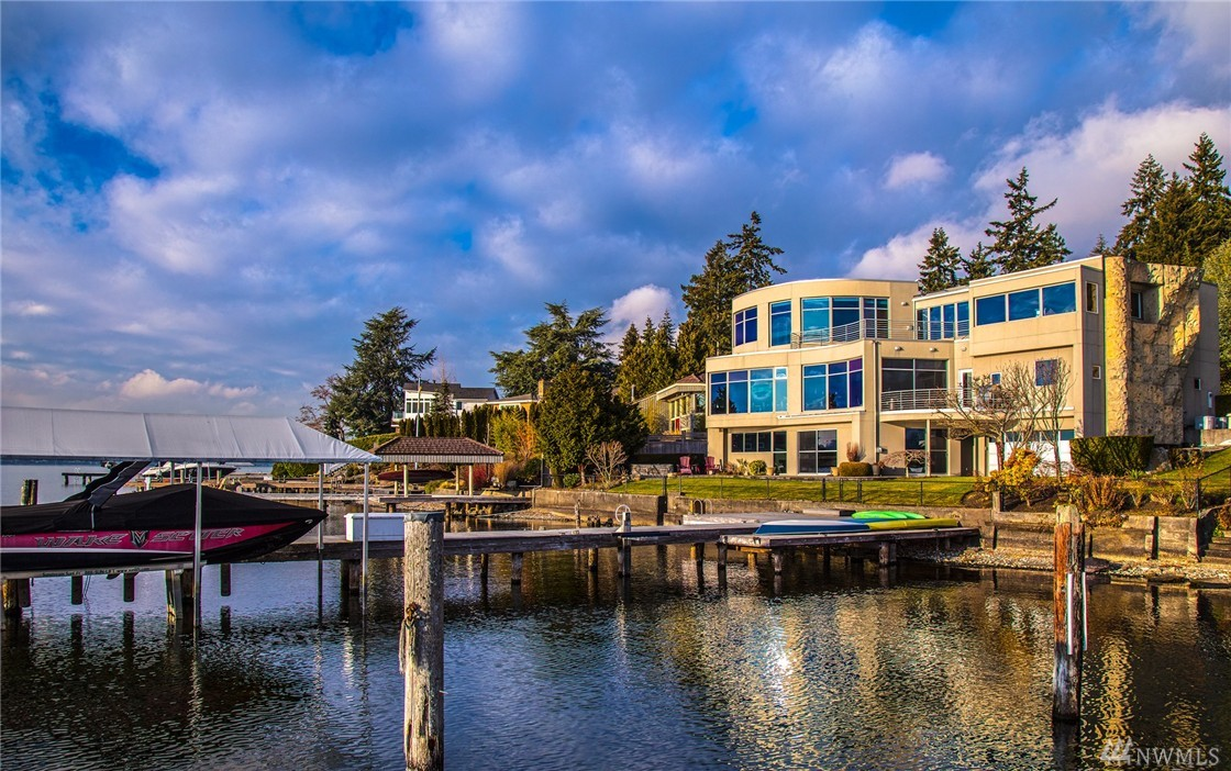 11007 Champagne Point Rd NE, Kirkland, WA 98034
