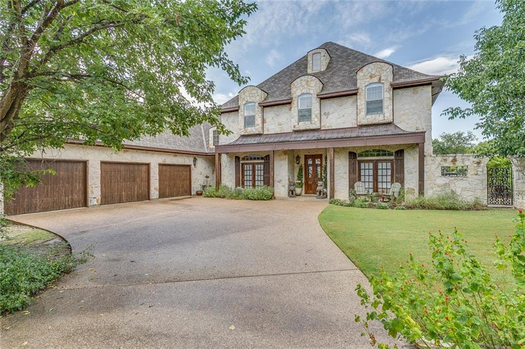 153 Crown Ridge Court, Fort Worth, TX 76108
