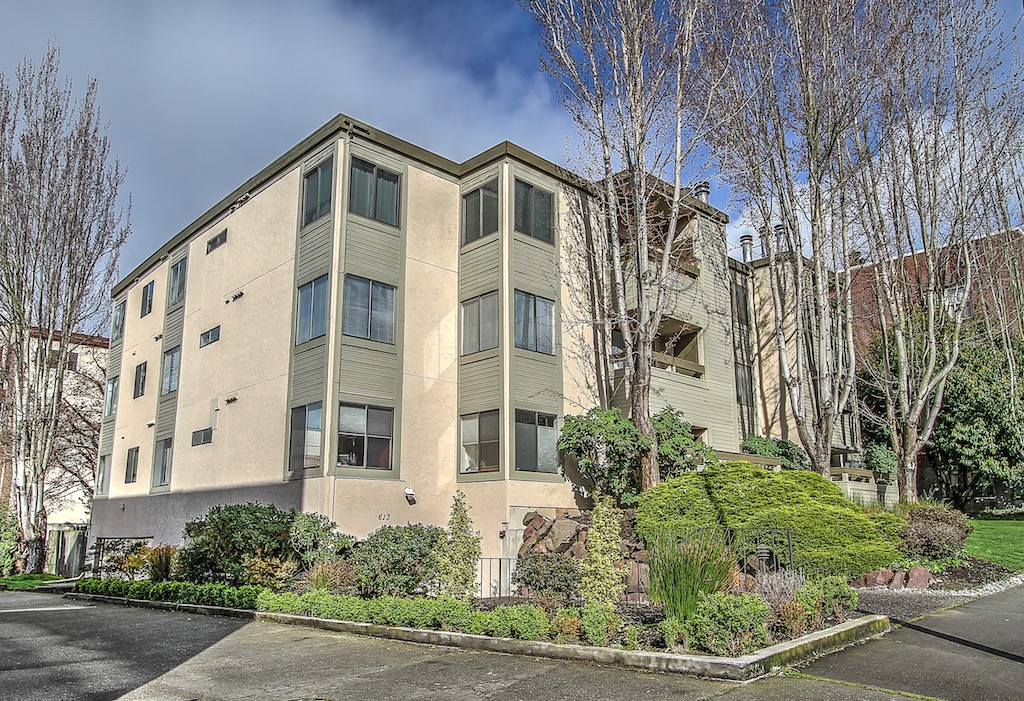 613 4th Ave W 103, Seattle, WA 98119