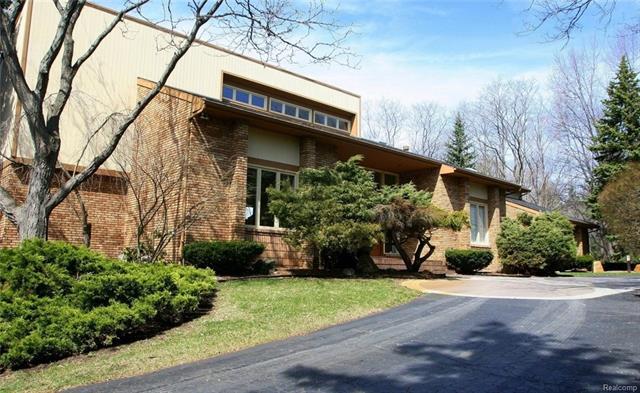 454 Wishbone DR, Bloomfield Hills, MI 48304