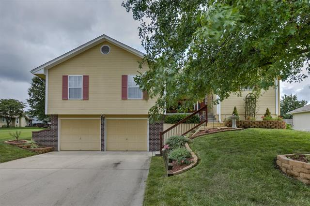 4604 SW 12th Street, Blue Springs, MO 64015