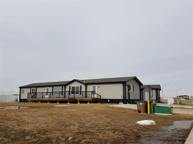 11 Meadowplace Manor E, Brooks, AB T1R 0W9