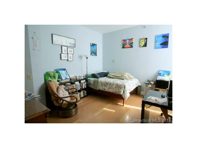 124 Court St #402, New Haven, CT 06511