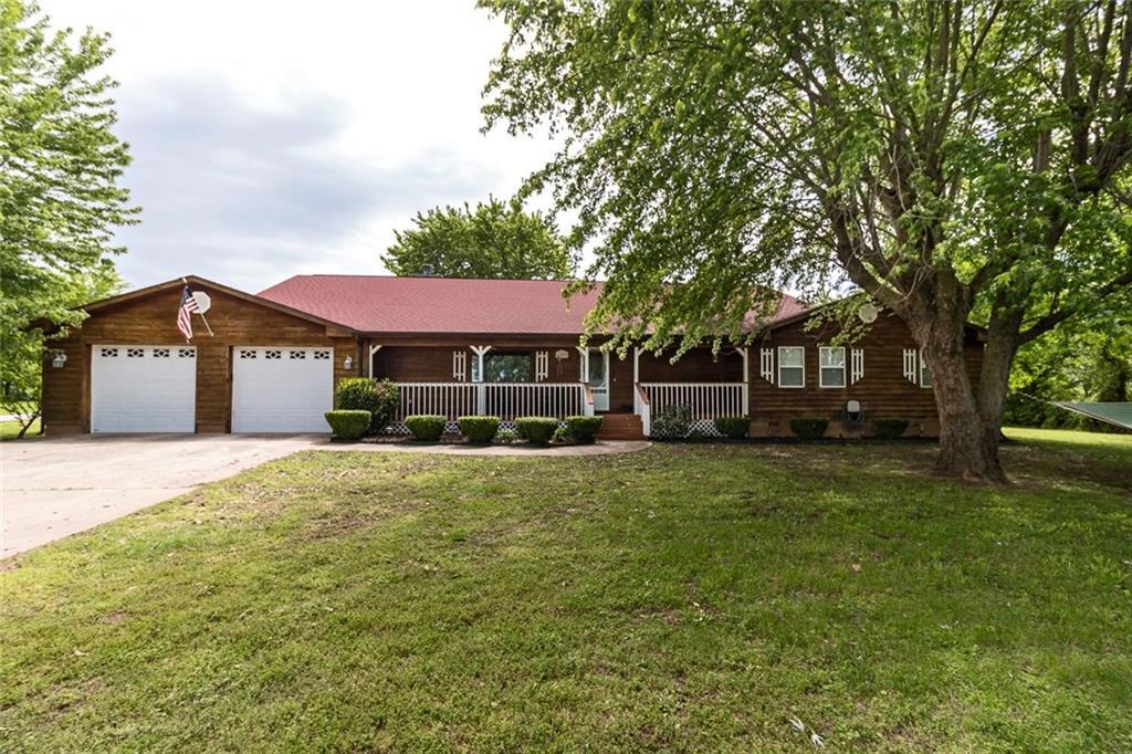 1388 S Eldridge RD, Tontitown, AR 72762