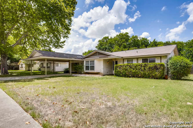 113 Valley Oak Dr, Schertz, TX 78154
