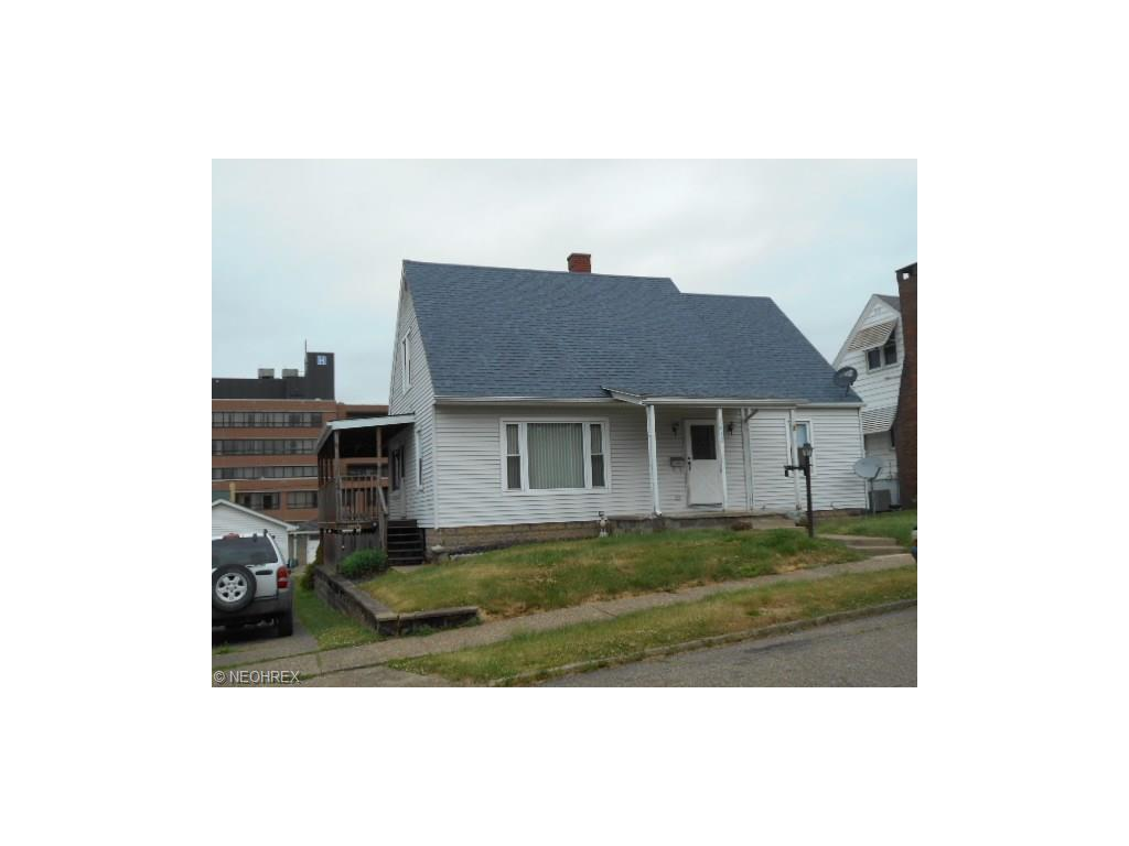 1412 Elm St, Coshocton, OH 43812