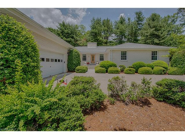 48 Little Mountain Road, Waynesville, NC 28786