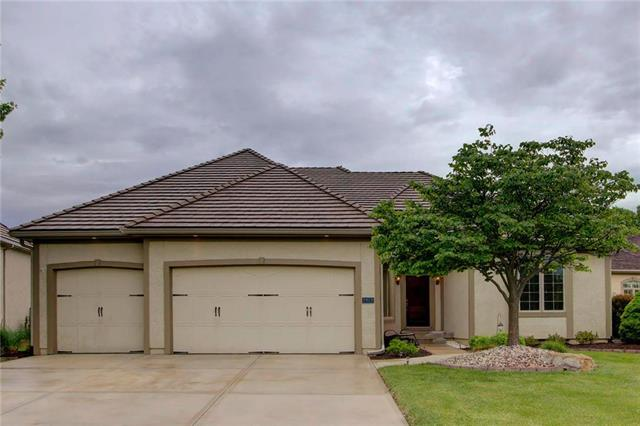 9919 Fountain Circle, Lenexa, KS 66220