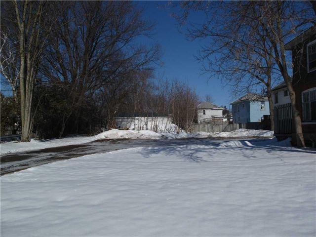188 E Dundas St, Belleville, ON K8N 1E1