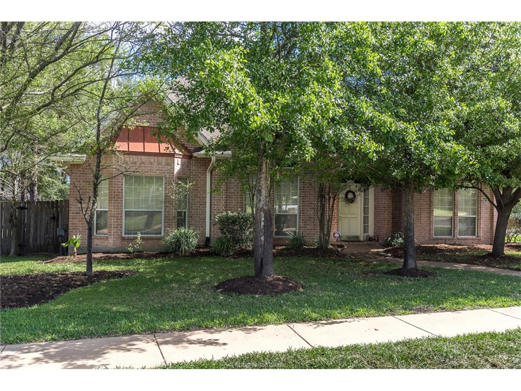 9311 Bloomfield, College Station, TX 77845