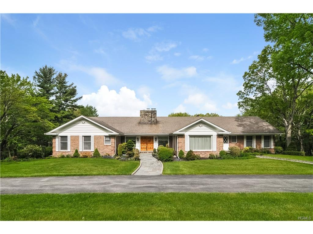 527 N Quaker Hill Road, Pawling, NY 12564