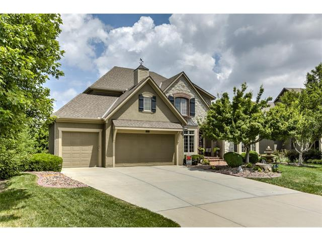 9300 W 156th Place, Overland Park, KS 66221
