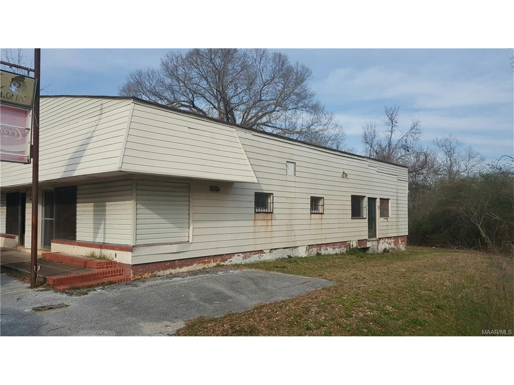 2407 W Montgomery Road, Tuskegee, AL 36088