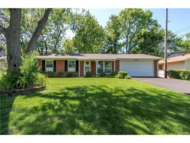 1277 Dawn Valley Drive, Maryland Heights, MO 63043