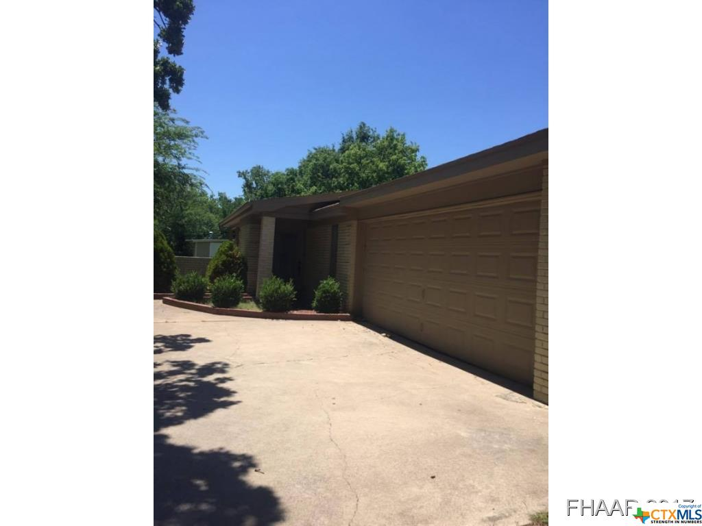 1008 Waco st., Gatesville, TX 76528