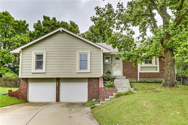 7108 South View Cove, Parkville, MO 64152