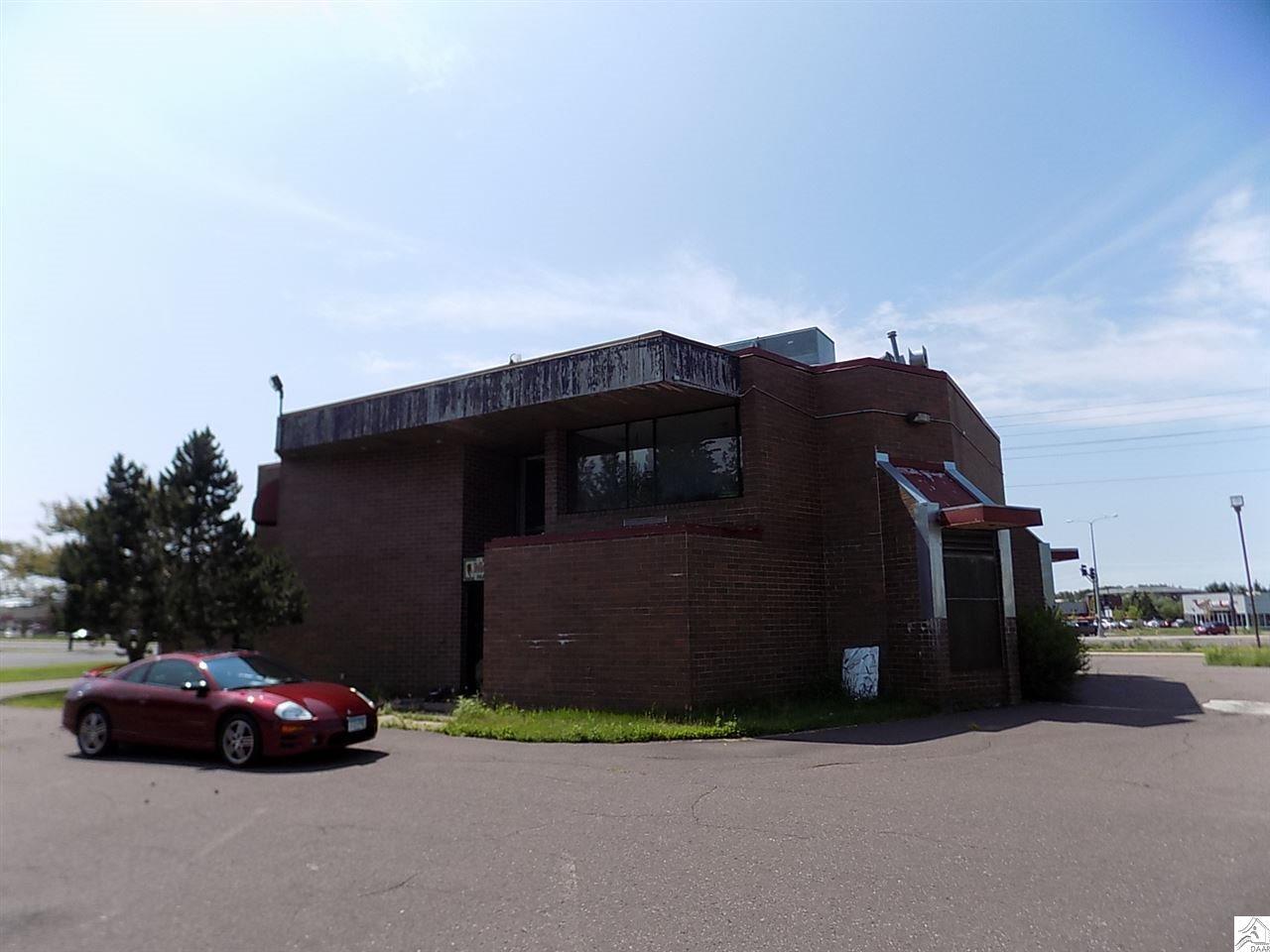 1725 Maple Grove Rd, Duluth, MN 55811