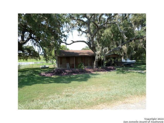 210 Freeman Circle, George West, TX 78022