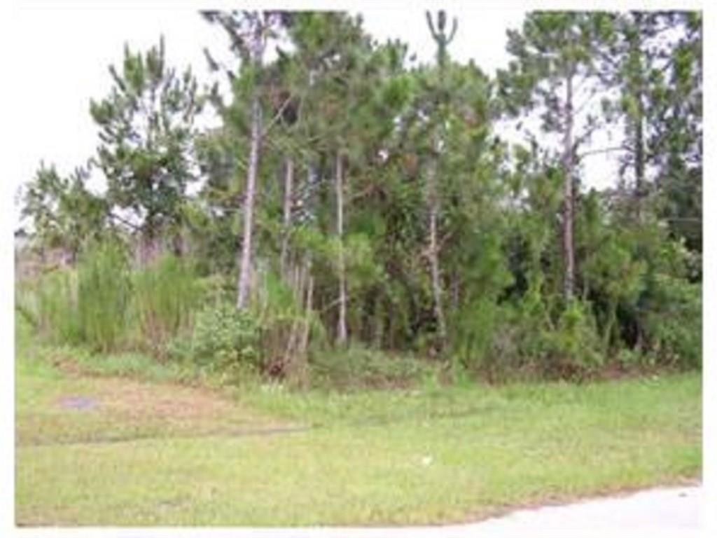 Build your dream home on this prime residential building lot in a quiet neighborhood of newer homes with easy access to the Green River Parkway and Jensen Beach amenities. About 8 miles to the Jensen Beach boat launch. This property could be a part of a multi-lot package. Ask for details. Listing agent has ownership interest.