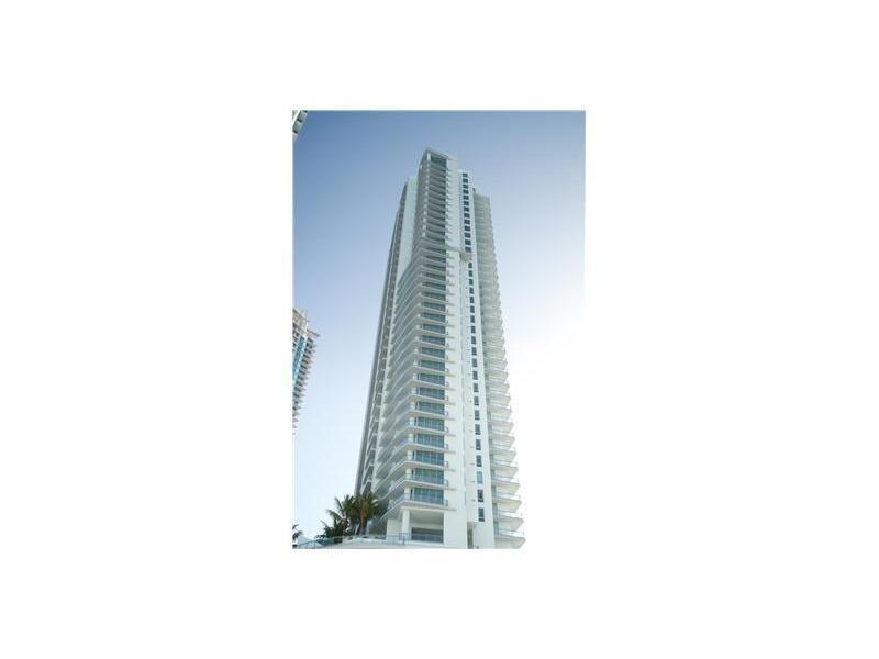 90 SW 3 ST 2011, Miami, FL 33130