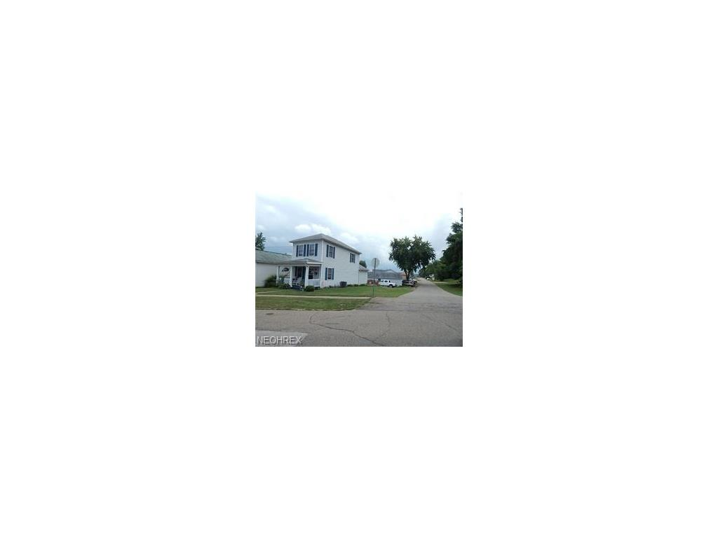 438 Forest Ave, Zanesville, OH 43701