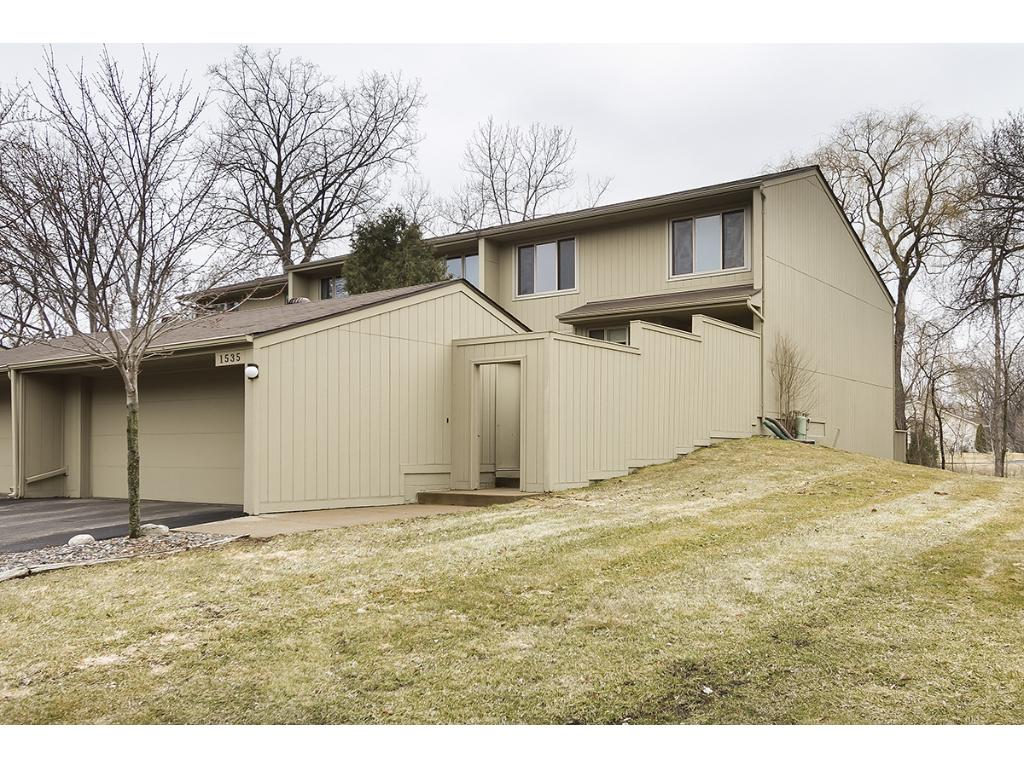 1535 Black Oaks Lane N, Plymouth, MN 55447